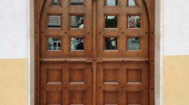 Ξυλόγλυπτη πόρτα στον Άγιο Γεώργιο Άνω